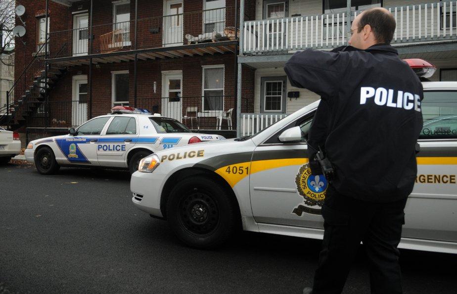 Près de 1000 policiers ont participé, jeudi, à une vaste... | 2012-11-02 00:00:00.000