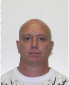 Luc Brisebois, 46 ans, de Trois-Rvières, est également recherché. | 2 novembre 2012