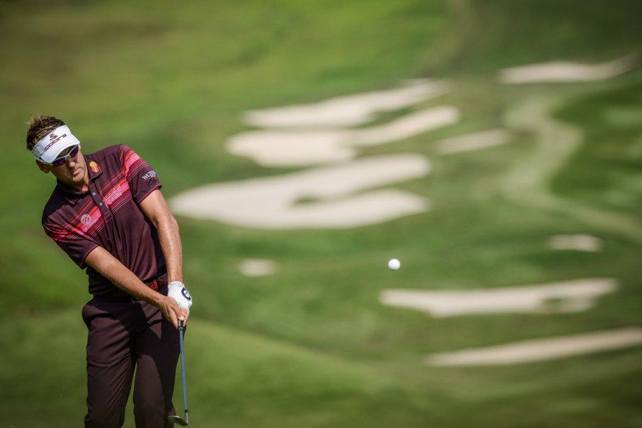 Ian Poulter termine le tournoi avec 21 coups... (Photo : Philippe Lopez, AFP)