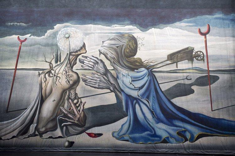 Tristan fou, une immense toile inédite de Salvador... (Photo: PC)
