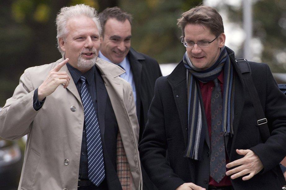 Les ministres Jean-François Lisée, responsable de Montréal, et... (Photo La Presse Canadienne)