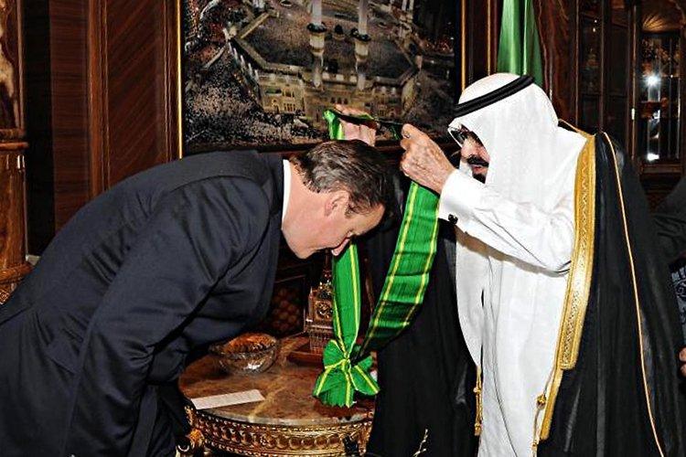 David Cameron a reçu mardi une médaille de... (Photo: AFP)