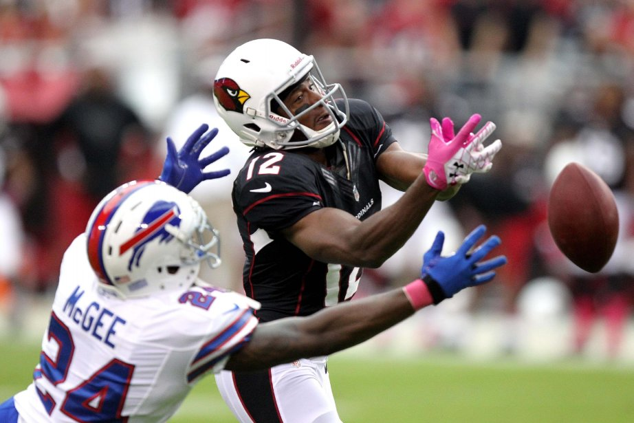 Terrence McGee (24) des Bills de Buffalo coupe... (PHOTO PAUL CONNORS, ASSOCIATED PRESS)