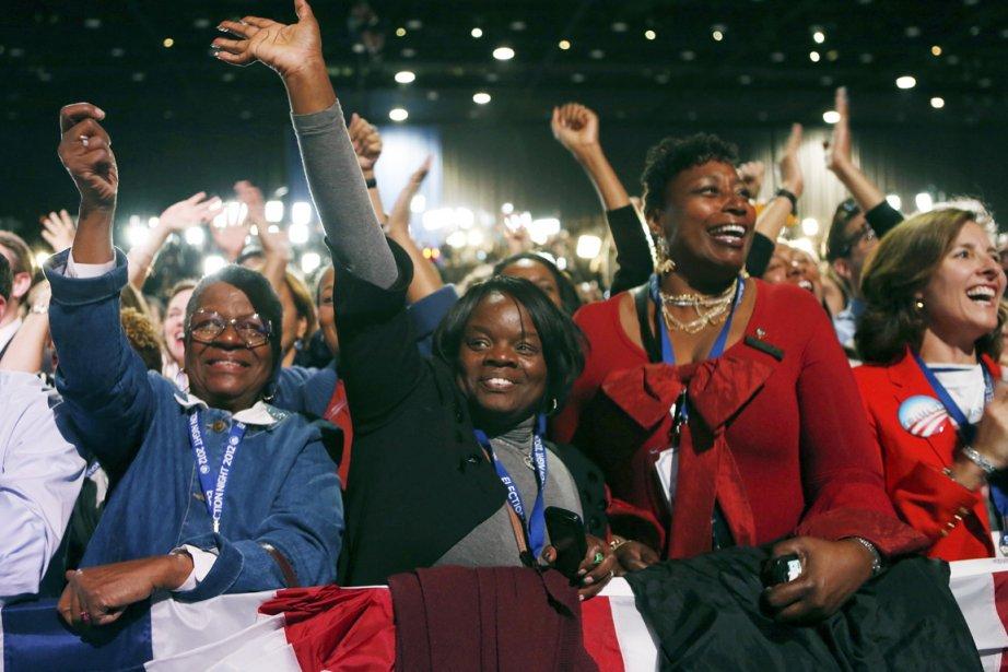 Des partisans de Barack Obama célèbrent à l'annonce des résultats... | 2012-11-06 00:00:00.000