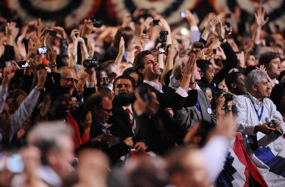 Les partisans d'Obama crient victoire après l'annonce de la victoire du candidat-président par CNN. | 6 novembre 2012