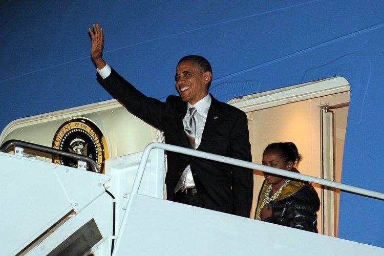 Barack Obama à son arrivée au Andrews Air... (Photo: AFP)