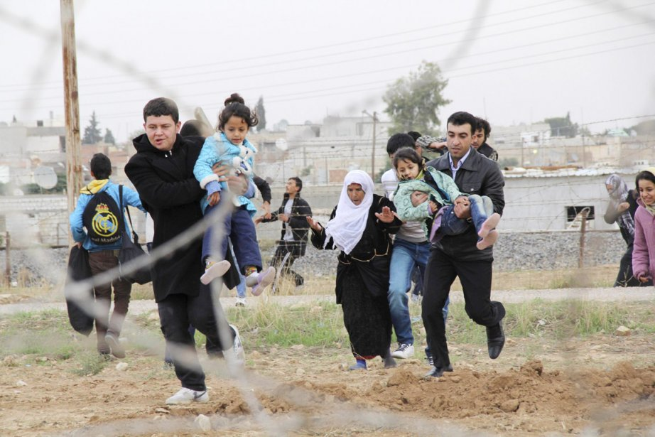 Quelque 11000 Syriens se sont réfugiés dans les... (PHOTO REUTERS)