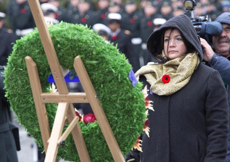 Jour du Souvenir, à Québec. Nathalie Chapados a perdu son mari en Afghanistan, en janvier 2008. | 11 novembre 2012
