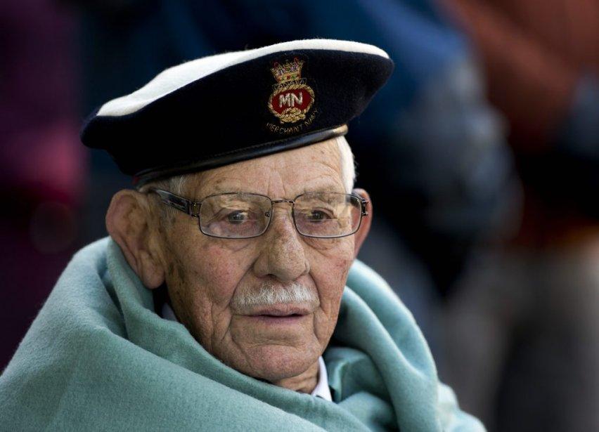 Le vétéran George Scott, âgé de 88 ans, lors du jour du Souvenir à Halifax. | 11 novembre 2012