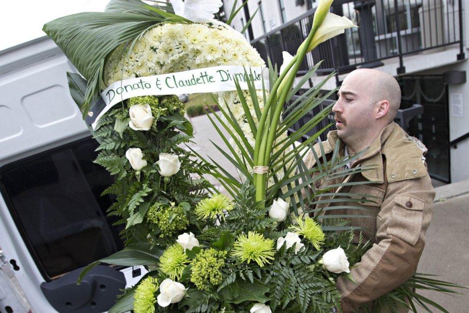 La dépouille de Joe Di Maulo, assassiné devant... (Photo Ivanoh Demers, La Presse)