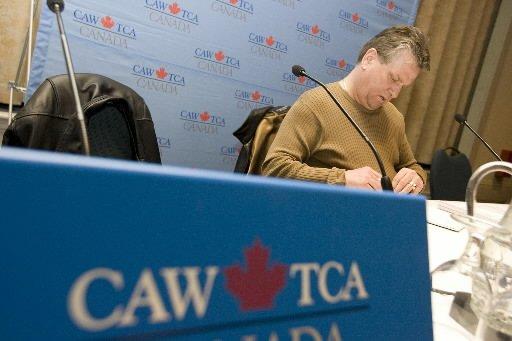 La fusion du syndicat des Travailleurs canadiens de l'automobile et du Syndicat...