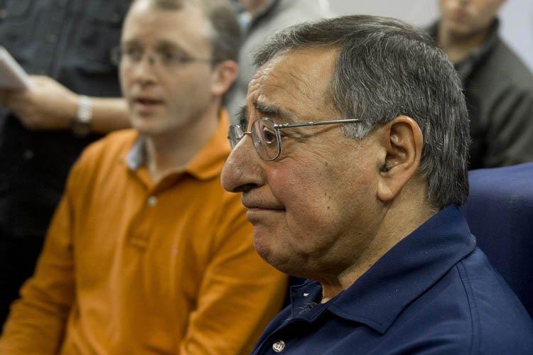 Entré en fonction en juillet 2011, Leon Panetta,... (Photo: AFP)