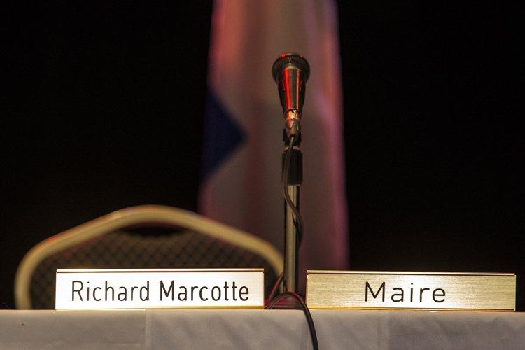 Le maire Richard Marcotte brillait par son absence,... (Photo: Édouard Plante-Fréchette, La Presse)