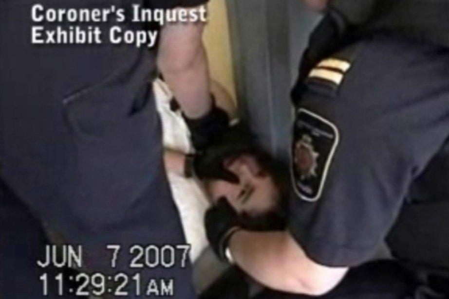 Ashley Smith a été transférée 17 fois dans... (Photo La Presse Canadienne)