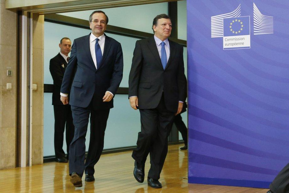 Le premier ministre grec Antonis Samaras (à gauche)... (Photo Reuters)