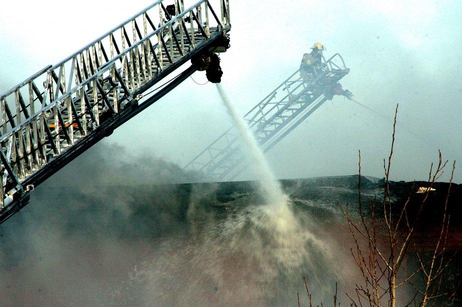 Incendie majeur sur l'ancienne base militaire de Rockcliffe | 13 novembre 2012