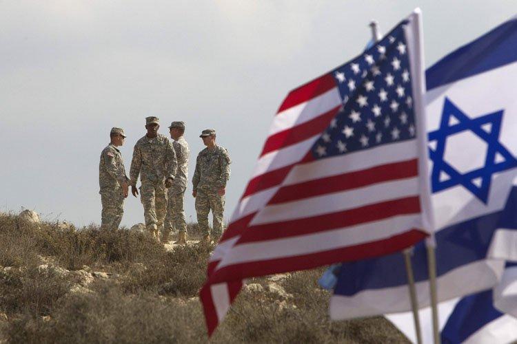 Israël et les Etats-Unis ont achevé des manoeuvres militaires... (Photo: Reuters)