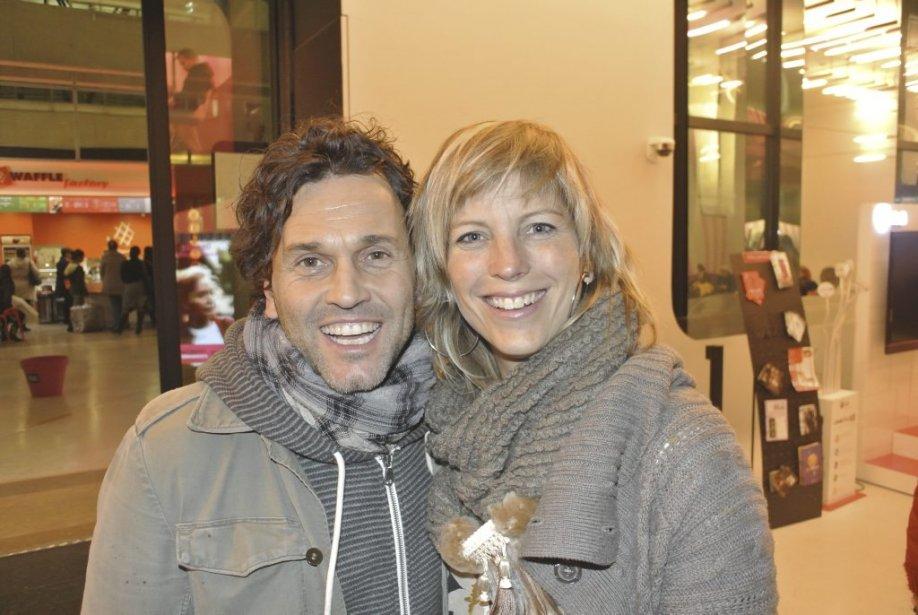 Martin Léon a qui l'on doit les bandes-originales des films Le journal d'Aurélie Laflamme et Monsieur Lahzar, avait fait le voyage pour offrir La leçon de musique, une conférence dans le cadre du Cinéma du Québec à Paris. Il est ici avec sa conjointe Julie Bessette. | 15 novembre 2012