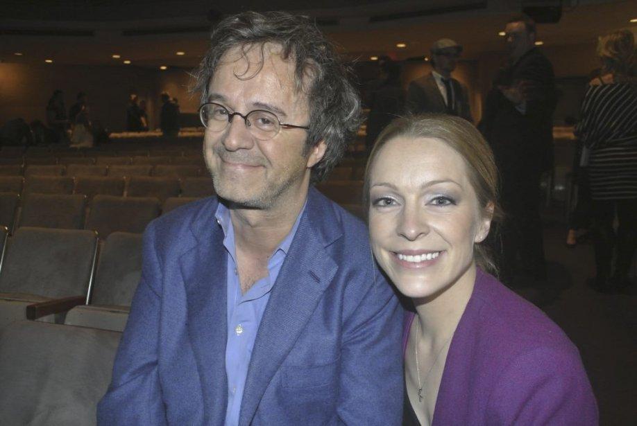 En 2001, Stéphane Laporte était le premier à découvrir Annie Villeneuve à Star Académie. S?il voyait déjà en elle une chanteuse de talent il n?imaginait pas 10 ans plus tard la retrouver comme comédienne sur les planches du Théâtre St Denis. La chanteuse n?a pas déçu son mentor. | 15 novembre 2012