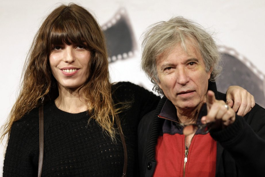 L'actrice Lou Doillon, en compagnie de son père,... (Photo: AP)