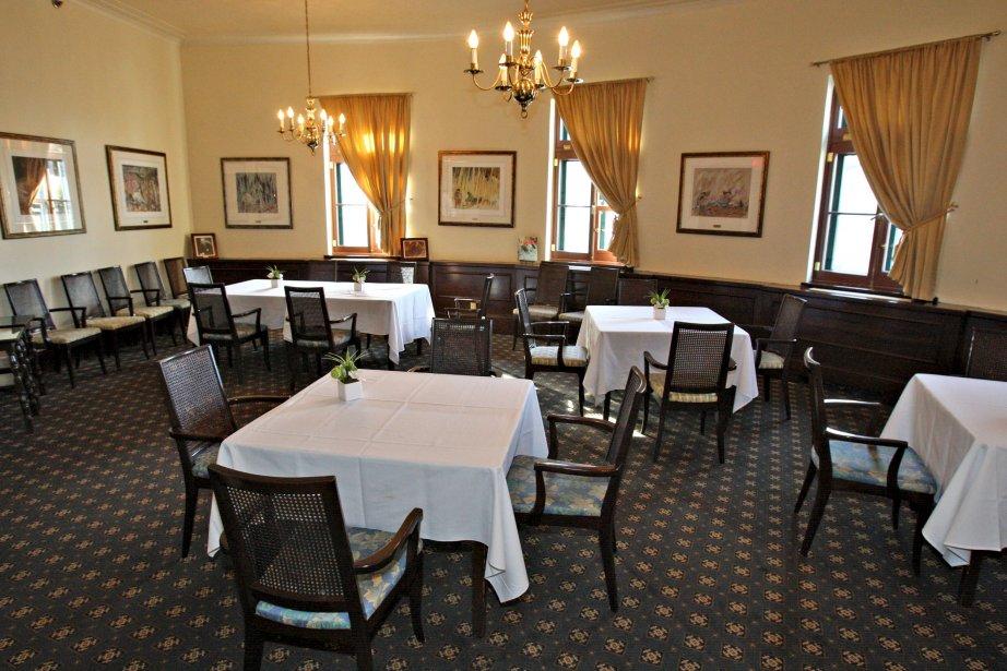 Salle à manger principale du Cercle de la Garnison | 16 novembre 2012