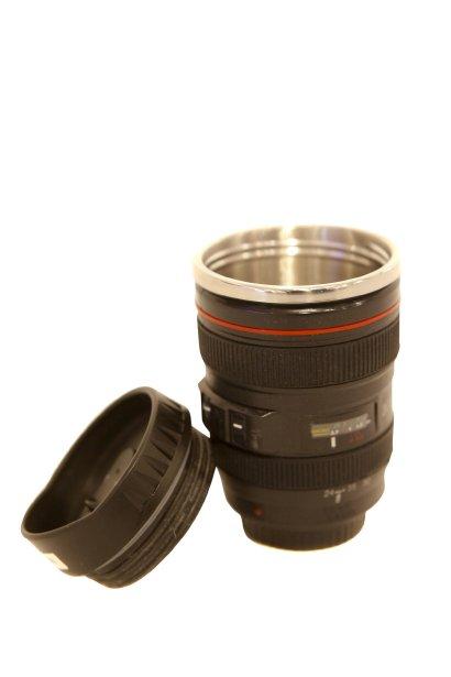 Tasse lentille de caméra, 30 $ chez Zone, 999, avenue Cartier, Québec, 418522-7373 | 18 novembre 2012