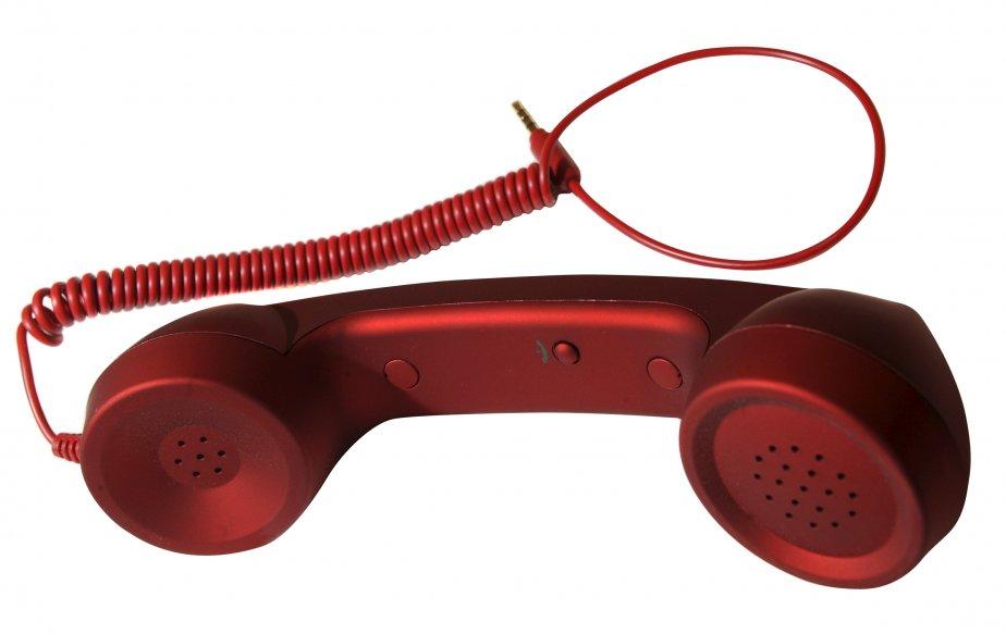Combiné de téléphone, compatible avec tous les appareils portables, 32 $ chez Ozé, 3759, rue du Campanile, Québec, 418659-2303 | 18 novembre 2012