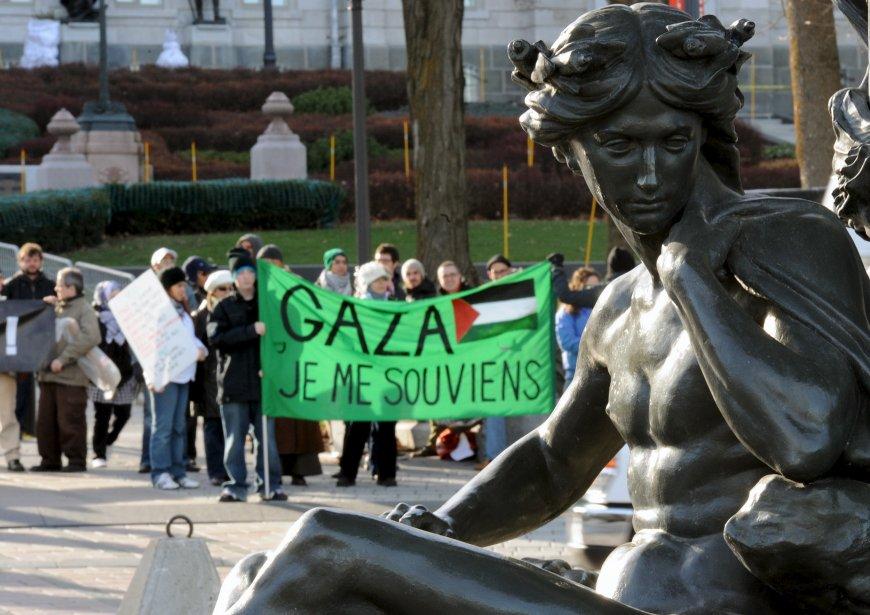 En marge du conflit qui a repris de plus belle au Moyen-Orient, une manifestation favorable à Gaza s'est tenue dimanche en face du Parlement, à Québec. | 18 novembre 2012