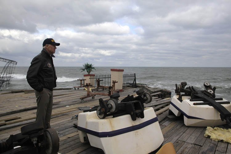 Joe Biden a visité la ville de Seaside... (Photo: Reuters)