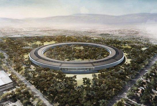 Les travaux sur le nouveau quartier général futuriste d'Apple en Californie...