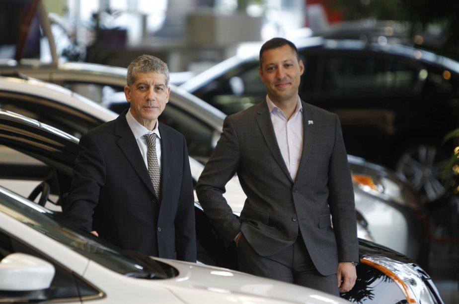 Pierre Spinelli et son fils Mathieu Spinelli, dans... (Photo Martin Chamberland, La Presse)