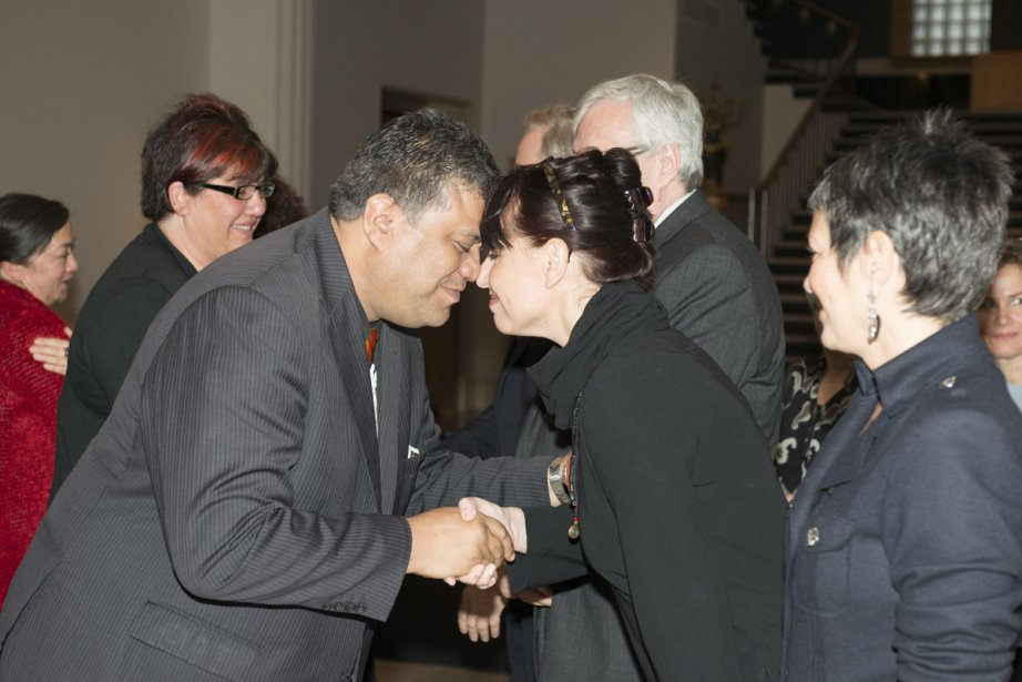 Rahui Papa, spécilialiste de la culture maorie, salue... (Photo: fournie par le MBAM)