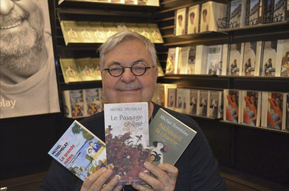 Michel Tremblay a attiré les foules au Salon du livre et a effectué un véritable marathon de dédicaces de ses derniers romans et parfois même de l'ensemble de son oeuvre. (Photo: Herby Moreau, La Presse)