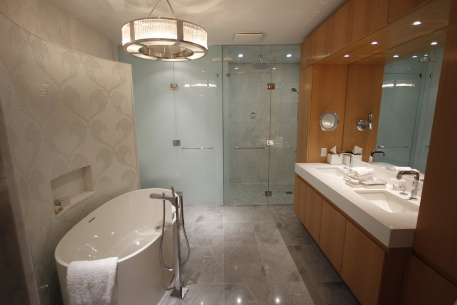 R sidences de grand luxe au ritz carlton for Salle de bain hotel luxe