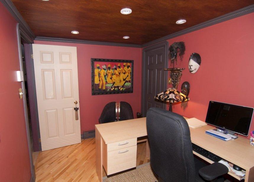 Le sous-sol contient plusieurs pièces dont un bureau. | 23 novembre 2012