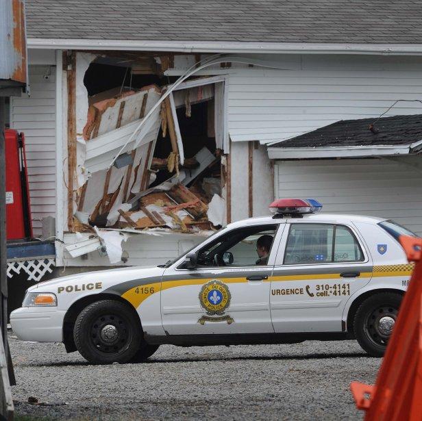 Le suspect a défoncé un mur de la maison. | 23 novembre 2012