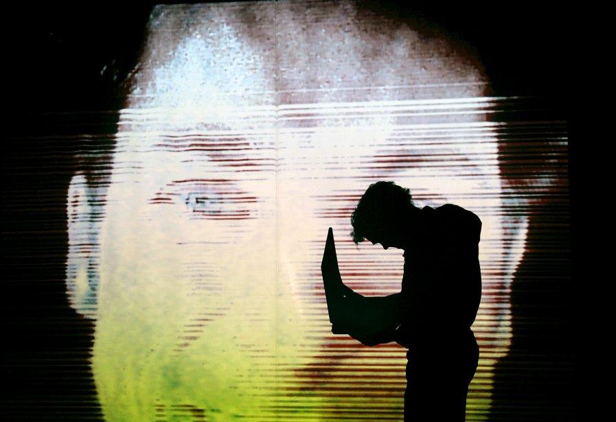 Rick Miller a  ressuscité «Bigger Than Jesus», dont c'était la première le 27 novembre au Périscope, après un court passage à Québec en 2007. Sa pièce n'a rien d'hérétique, ni de scandaleux - c'est même une partie de plaisir et un tour de force multimédia, écrit notre critique Éric Moreault. «Bigger Than Jesus» demeure à l'affiche du Périscope jusqu'au 8 décembre. | 28 novembre 2012