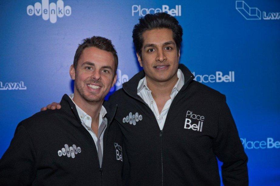 Philippe Bond et Sugar Sammy, deux humoristes produits par evenko, se sont fait offrir tout comme les 500 autres invités une veste à l'image de la Place Bell. | 29 novembre 2012