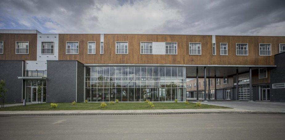 La façade de la Ferme allie verre, ardoise, bois et acier. (Photo fournie par l'hôtel La Ferme)