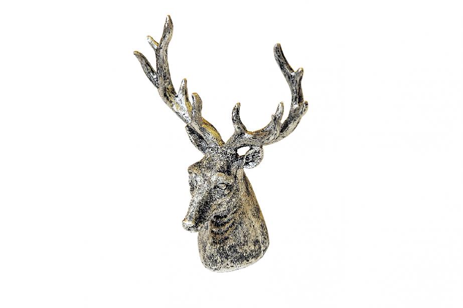 Tête de chevreuil décorative, 89$ chez Ozé, 3759, rue du Campanile, Québec, 418 659-2303 | 2 décembre 2012