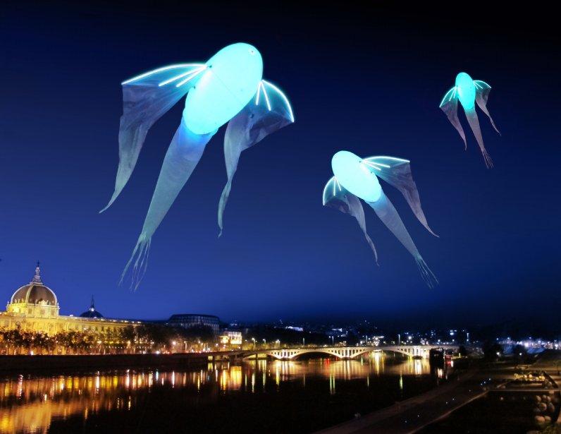 Le Bal des Luminéoles / Porté par le vent Huit cerfs-volants géants et lumineux s'empareront du ciel lyonnais. Ils flotteront au dessus du Rhône, à plus de 20 et 40 mètres de hauteur. | 3 décembre 2012