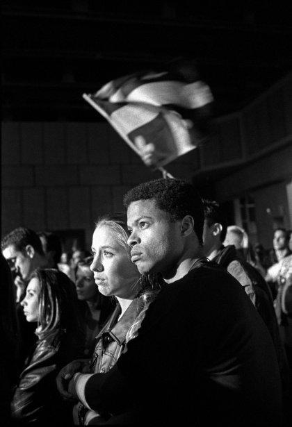 Référendum sur la souveraineté à Montréal, en 1995. Rassemblement du OUI au Métropolis à l'annonce de la victoire du NON avec 50,58 % des voix. (Photo: Jean-François Fréchette, Agence Stock)