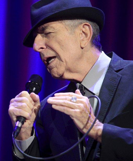 Avec ses neuf musiciens et choristes, Leonard Cohen a offert le 2 décembre au Colisée de Québec un généreux concert de près de trois heures, carburant aux interprétations sensibles. Les 7000 fans sont passés par toute la gamme d'émotions : on voyait des visages sourire, des têtes se balancer et, parfois, des yeux se gorger de larmes, écrit notre critique Nicolas Houle. | 3 décembre 2012