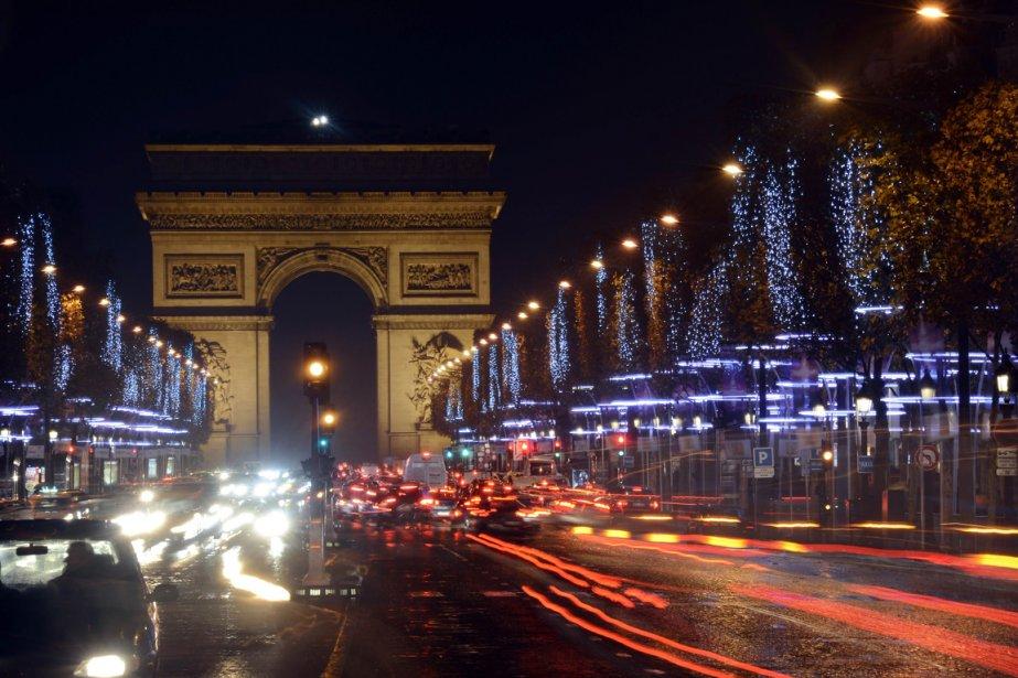 Les Français sont inquiets, irrités, crispés. Nous aussi.... (BERTRAND GUAY, AFP)