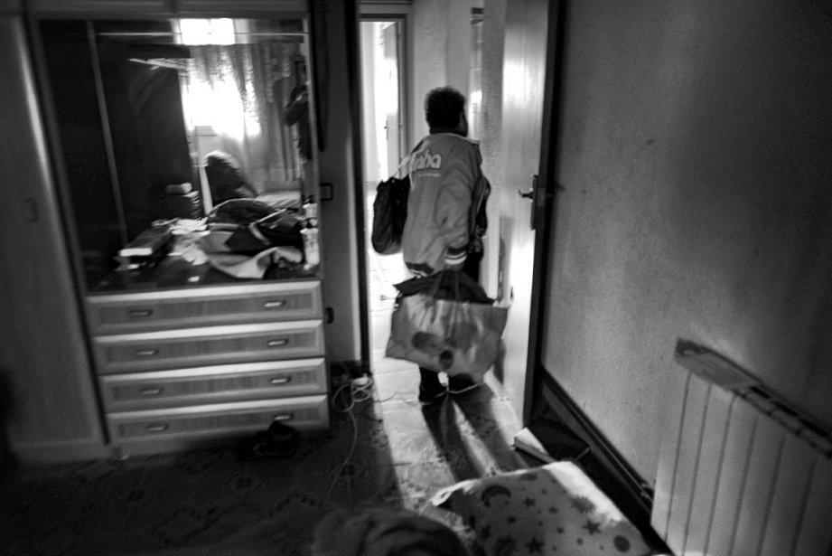 Une semaine après avoir reçu son avis d'expulsion, Maria Angeles Merino quitte sa maison de Terrassa. | 5 décembre 2012
