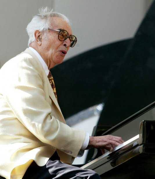 Dave Brubeck en spectacle au 25e Playboy Jazz Festival en juin 2003. (Photo: Reuters)