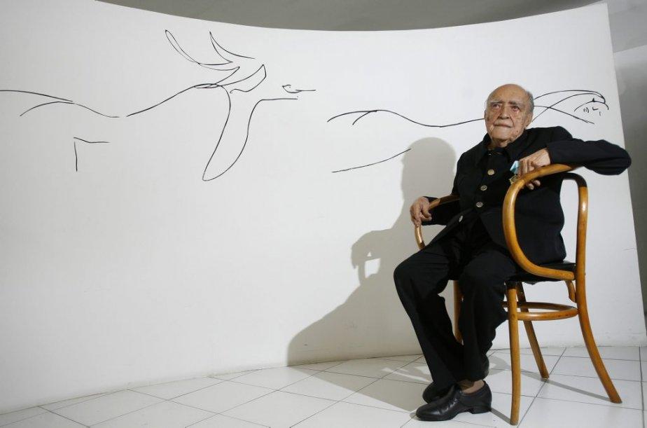 Le 14 décembre 2007, Oscar Niemeyer avait célébré sa fête à Rio de Janeiro, au Brésil. | 6 décembre 2012