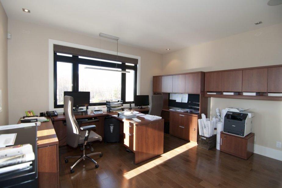 shefford construite pour des besoins particuliers. Black Bedroom Furniture Sets. Home Design Ideas