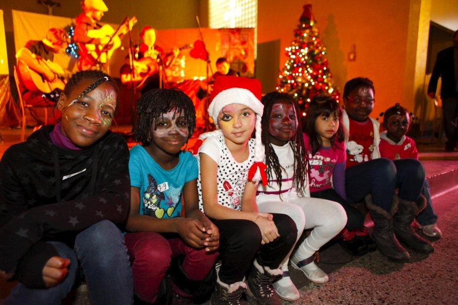 Plus de 200 nouveaux arrivants à Québec ont célébré Noël samedi, dans le sous-sol de l'église Saint-Fidèle, à Limoilou, sur le thème de la danse. Les nombreux enfants qui étaient là ont eu beaucoup de plaisir. | 9 décembre 2012