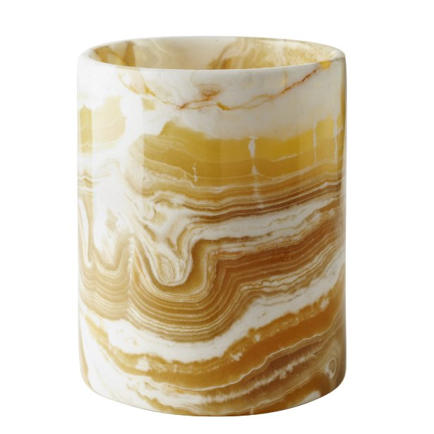 Vase en albâtre égyptien fait à la main, 39,99 $ chez HomeSense, homesense.ca | 9 décembre 2012
